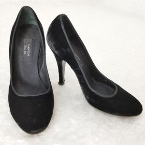 "Lanvin ""River 2005"" black velvet pumps"
